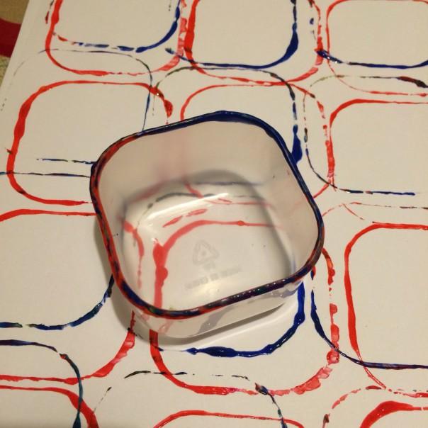Plastic tub rim print.